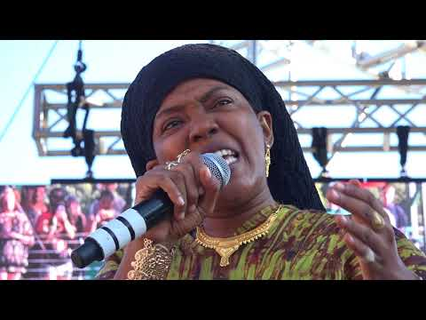 Dezarie 'Living Ones' with Ron Benjamin Reggae on the River Aug 6 2017