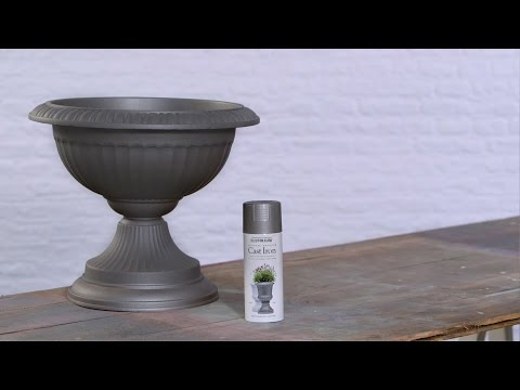 How to Spray Paint a Plastic Planter