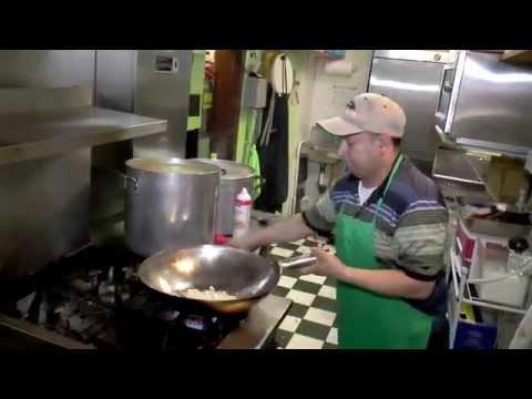 UN EJEMPLO DE SUPERACION en Danbury City Connecticut Reportaje en Galapagos Restaurante
