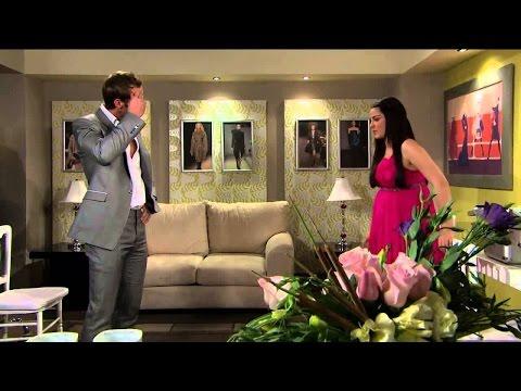 Triunfo del Amor   Max casi descubre el embarazo de María Desamparada