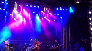 The Whitlams - Standing on the Outside ( Billy Fields Cover ) - Cronulla Beach - 26/01/15