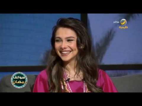 فيديو دموع المذيعة ريم بساطي تغلبها خلال عرض أغنية قديمة شاركت بها في طفولتها Youtube