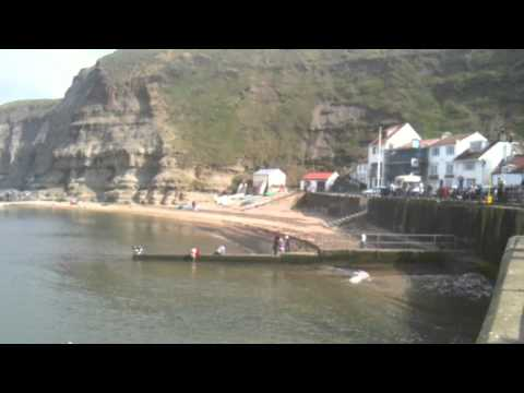Staithes, North Yorkshire 2mins