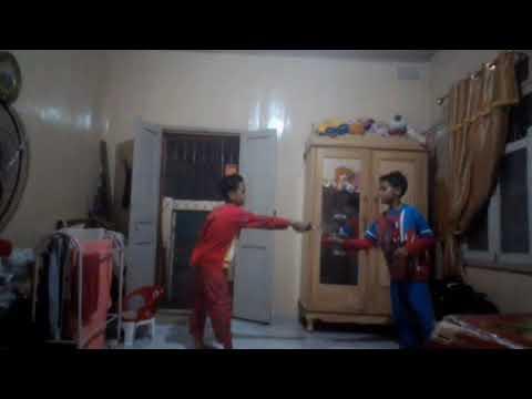 Anak kecil bertarung