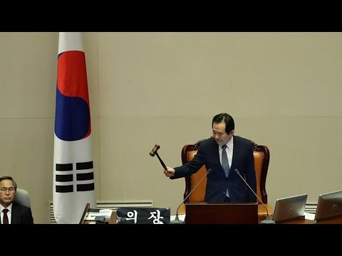 South Korean lawmakers vote to impeach President Park Geun hye