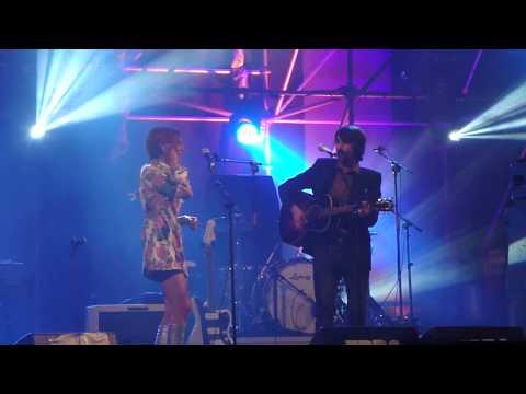 Anni B Sweet y Noni de Lori Meyers - Mi Realidad (directo Ebrovisión 2015-09-05 Miranda de Ebro) mp3