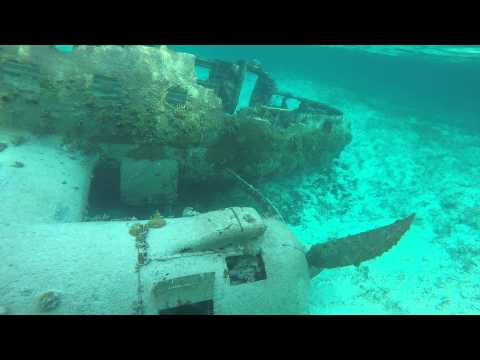 Sunk drug plane on normans cay Mp3 – ecouter télécharger