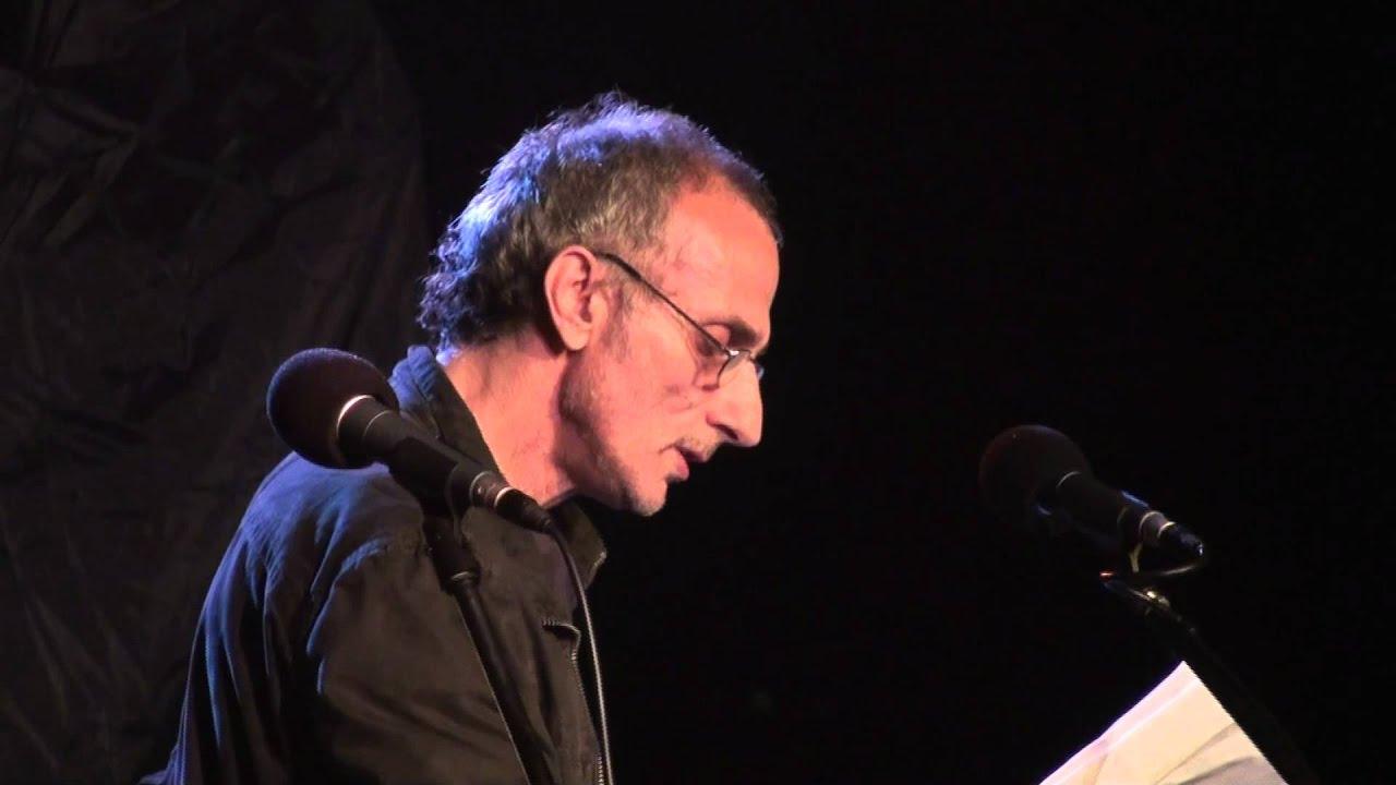 Αρης: Ο Αρης Ρετσος διαβαζει Οδύσσεια