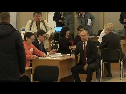 شاهد.. الرئيس الروسي فلاديمير بوتين يدلي بصوته في الانتخابات  - نشر قبل 3 ساعة