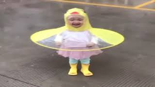 YELLOW DUCK RAİNCOAT  (Perfect Protection For Children - Ufo)