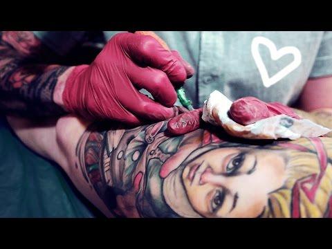 riesiges-alice-in-wonderland-tattoo---mein-oberschenkel-ist-bunt-❤