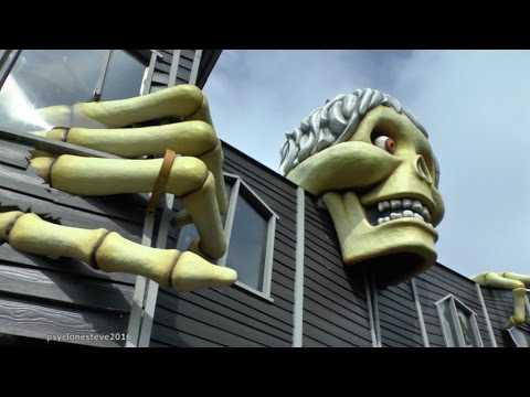 HAUNTED HOUSE,  GT. YARMOUTH. PLEASURE BEACH 2016 (LIGHTS ON) HD.