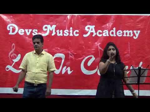 Satish & Yogita Singing Shayad Meri Shaadi Ka Khayal www.devsmusic.in