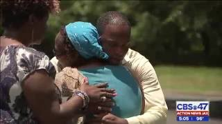 Jacksonville Reporter Prays with Jokisha Brown's Mother
