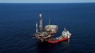 اسعار النفط تقفز حتى 66 دولاراً للبرميل - economy