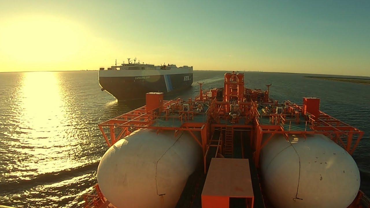 Intrarea Navei in Port
