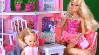 Видео с куклами Играем в Барби Челси очень хочет новые платья