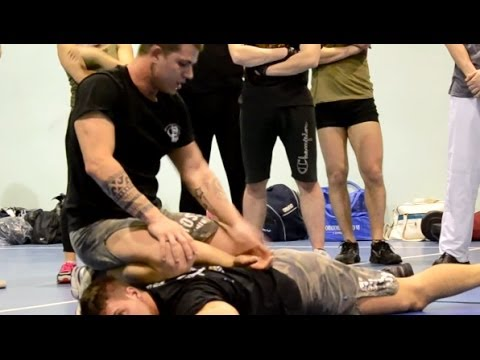KRAV MAGA TRAINING • Police technique - arrest