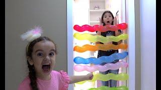 BEL E NINA BRINCANDO COM BALÕES -  Fun playtime kids play with balloons