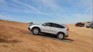 Video 2013 Honda CRV AWD - Fail! It just can't get a grip. download MP3, 3GP, MP4, WEBM, AVI, FLV Agustus 2018