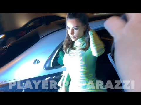 Kim Kardashian Arrives At Craigs Restaurant And Paparazzi Go Nuts !!