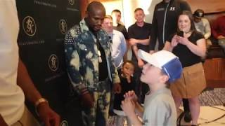 YOUNG BOXER FRANKEE IMPRESSES FLOYD MAYWEATHER & ANTHONY JOSHUA WITH HIS SKILLS!