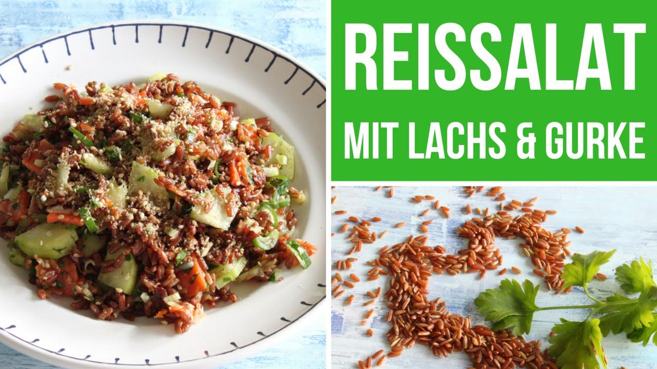 Reissalat mit geräuchertem Lachs und Salatgurke - Reissalat Rezept für den Sommer