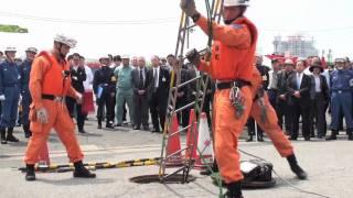 合同総合水防訓練6マンホールからの救出活動.mov