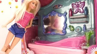 Игры для девочек с Барби: покупаем ванную комнату