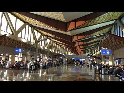 A 4K Tour of Phoenix Sky Harbor International Airport (PHX) (2/20/2016)