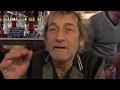 Capture de la vidéo Il Gallo Bassista Di Vasco Rossi Su Piselli E Patate. Divertentissimo