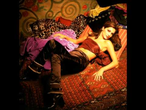 03.Despina Vandi-To koritsaki sou [Profities 1999] HD