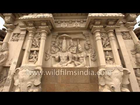 Typical design of pillar with mythical lions - Kailasanathar temple, Kanchipuram