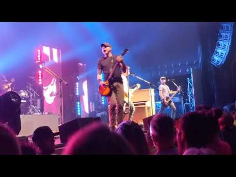 Theory of a deadman - bitch came back. Pittsburgh PA 7-11-18