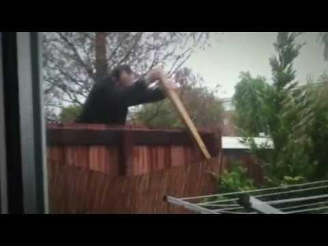 Prikkeldraad in de tuin | Bonje met de Buren