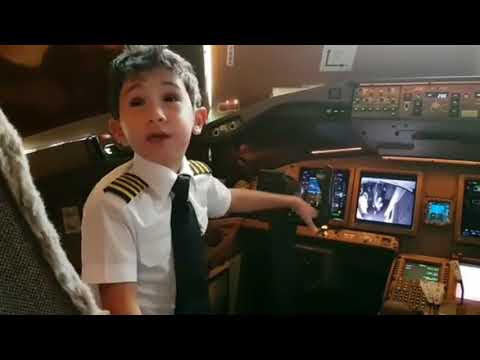 Adam Kid 6-Year Pilot Emirates Airbus