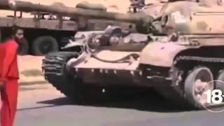 18+ Террористы ИГИЛ переехали сирийского солдата танком