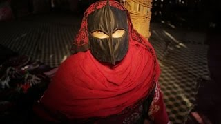 behind the veil see what life is really like for middle eastern women a broad abroad