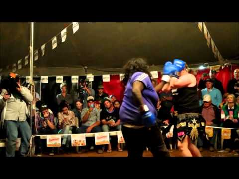 Womens tent fight Outback Fight Club    Mt Isa 2015