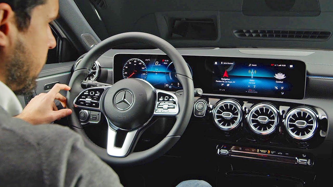 Mercedes A-Class (2018) High-Tech Interior