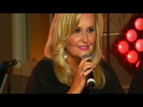 Karen Peck & New River - Blessed (Live)