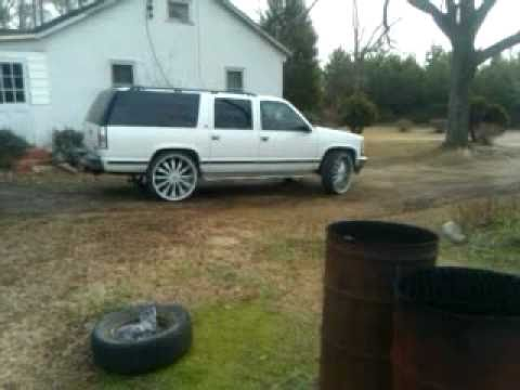 Box Chevy And Box Suburban On 28s Youtube