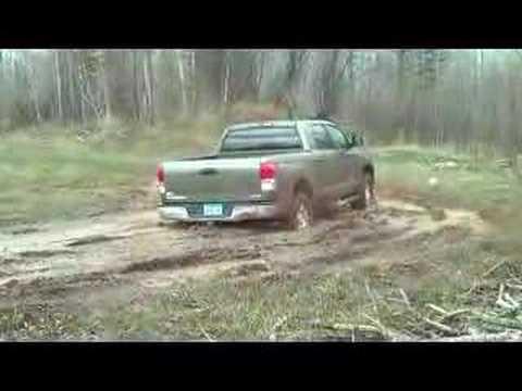 2008 toyota tundra 4x4 in some mud
