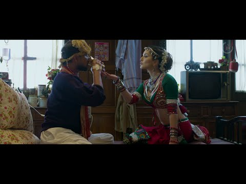 No Smoking 11minutes : Sunny Leone, Alok Nath and Deepak Dobriyal
