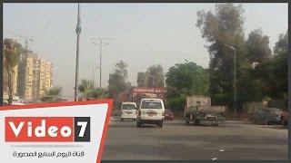 انتظام حركة السيارات بمعظم محاور وميادين القاهرة والجيزة