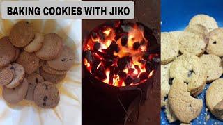BAKING CHOCOLATE CHIP COOKIES USING JIKO (CHARCOAL OVEN)