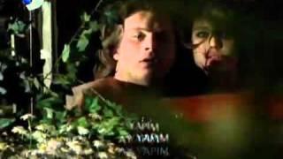 Beren Saatin Beyaz Sütyeni Meydanda Ve Ateşli Sevişme öpüşme Sahneleri HQ YouTube