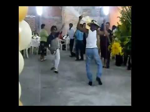 Borrachos bailando intentalo dj Erick Rincon 3bal Mty