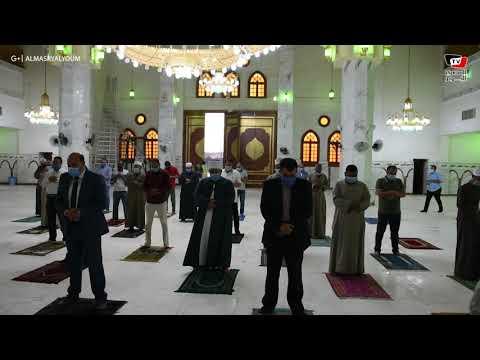 محافظ أسوان يؤدى صلاة المغرب المسجد الجامع ويطمئن على تطبيق الإجراءات الإحترازية  - 10:58-2020 / 6 / 28