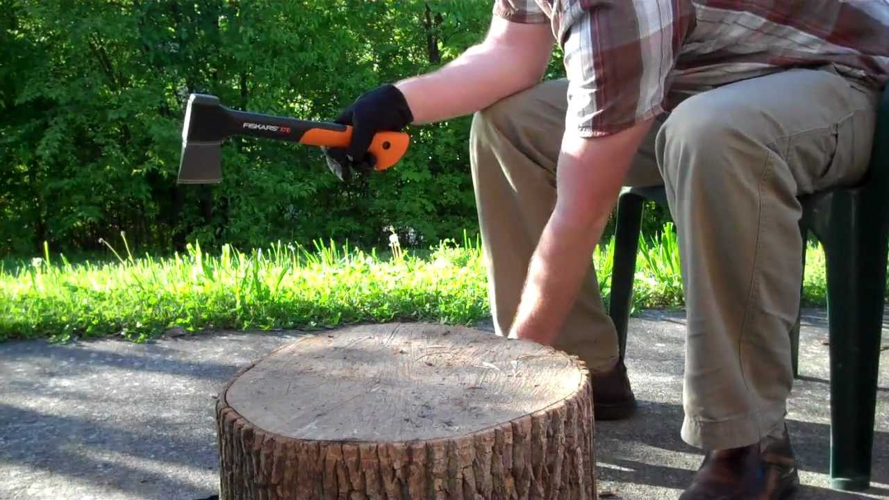 fiskars x7 hatchet youtube. Black Bedroom Furniture Sets. Home Design Ideas